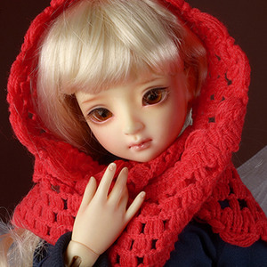 Model & MSD - Drizzly Knit Muffler (Red)